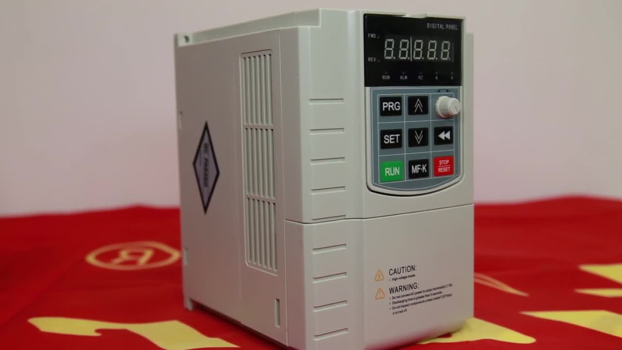 10 years china Supplier mppt function solar pump system inverter for solar pump water