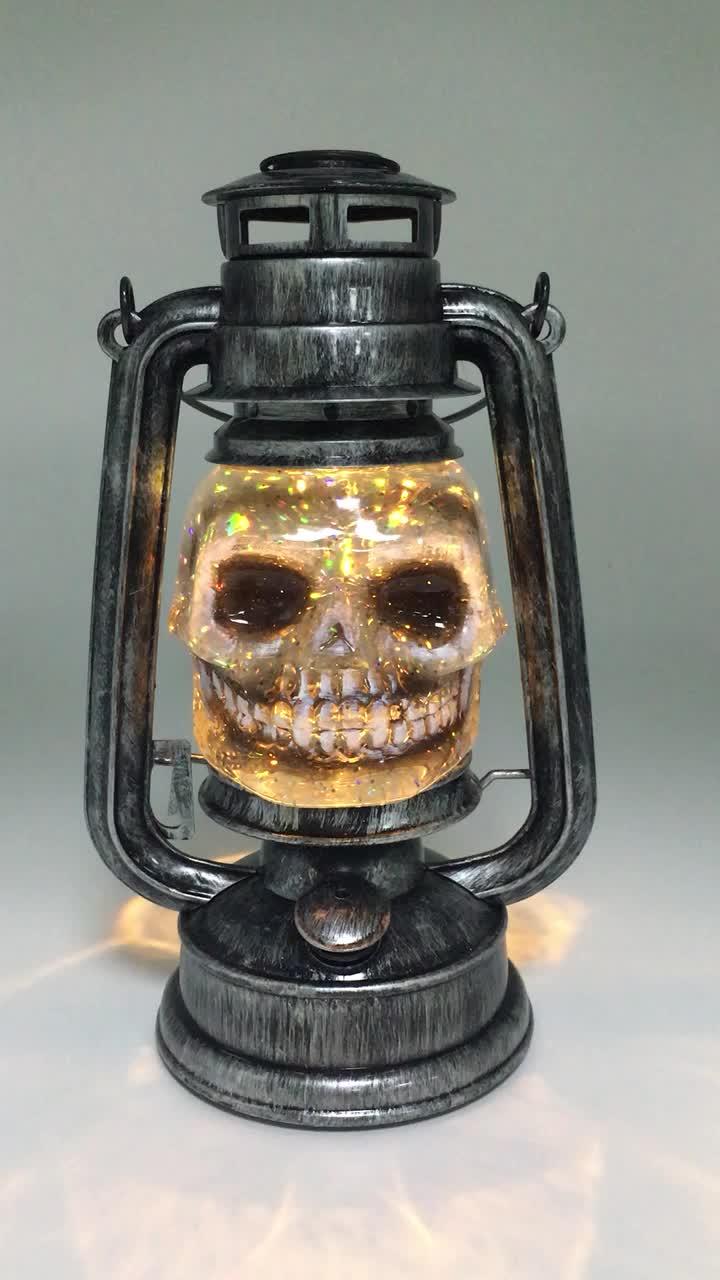 Vintage halloween decorations plastic - Vintage Plastic Battery Operated Handheld Hanging Led Water Globe Glitter Decoration Halloween Skull Lantern