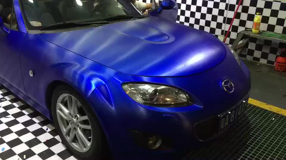गारंटी 3 साल क्रोम चमकदार 3 m बिजली के नीले क्रोम कार लपेटें Vinyl फिल्म