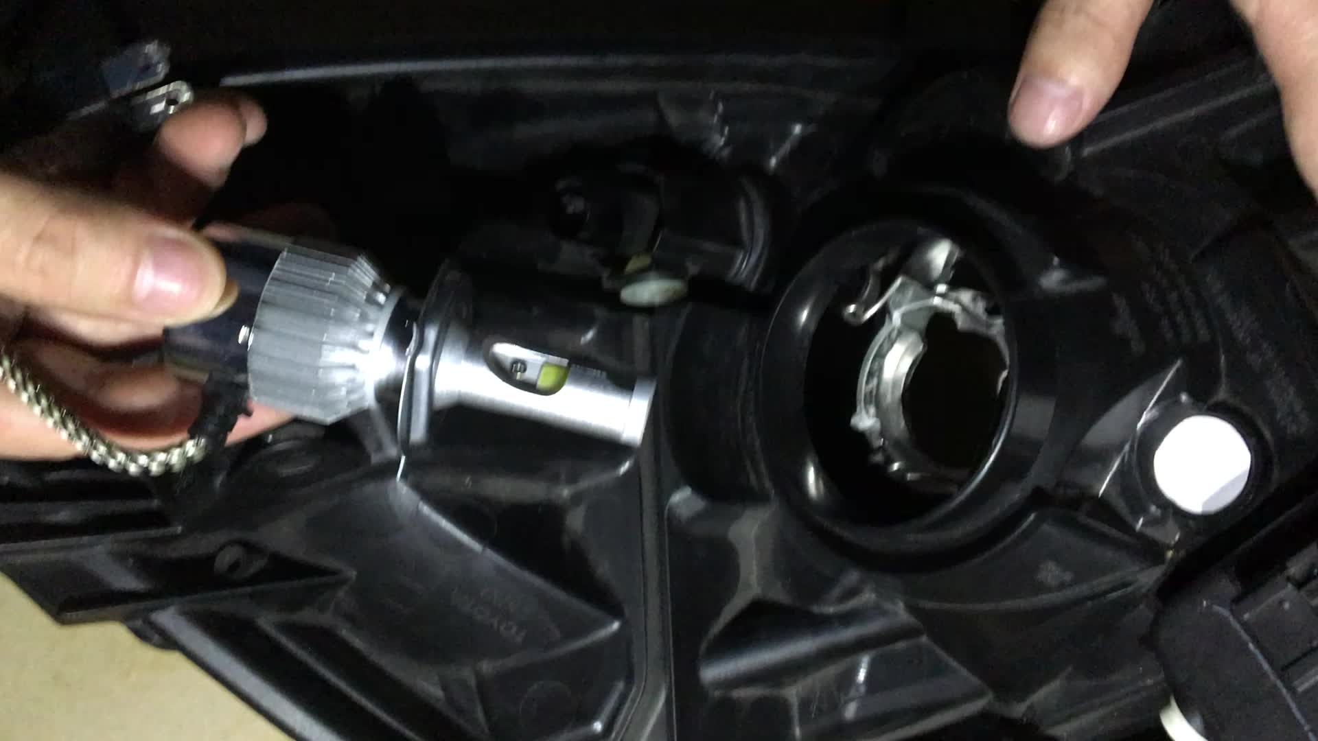 Plug & Play 72W Auto C6F LED-Scheinwerfer H4