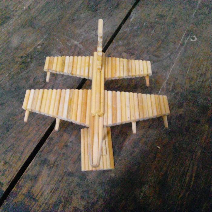 用筷子做个飞机手工艺术图片_一次性筷子做飞机筷子艺术筷子的艺术美图