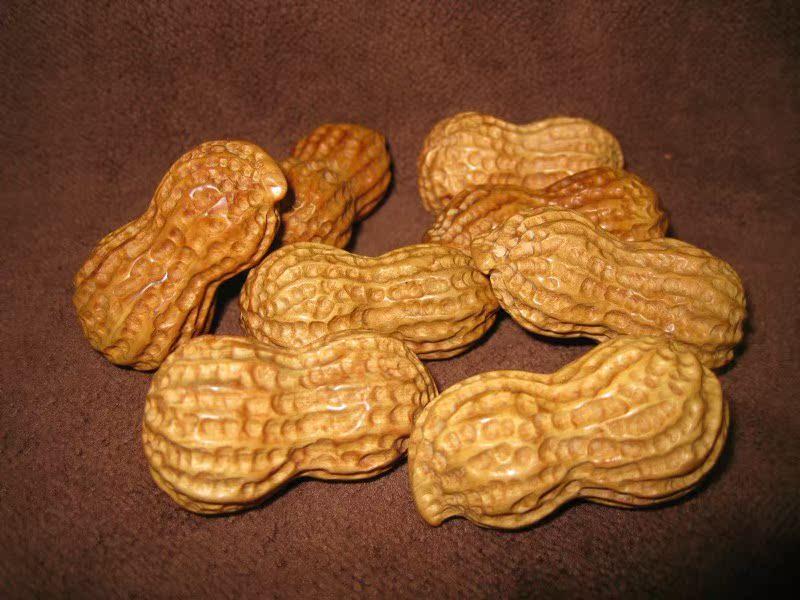 Антикварный предмет Реальные скалы тысячелетия в руке Guangxi кедр Seiko резные арахиса вкус мягкий Свадебные подарки