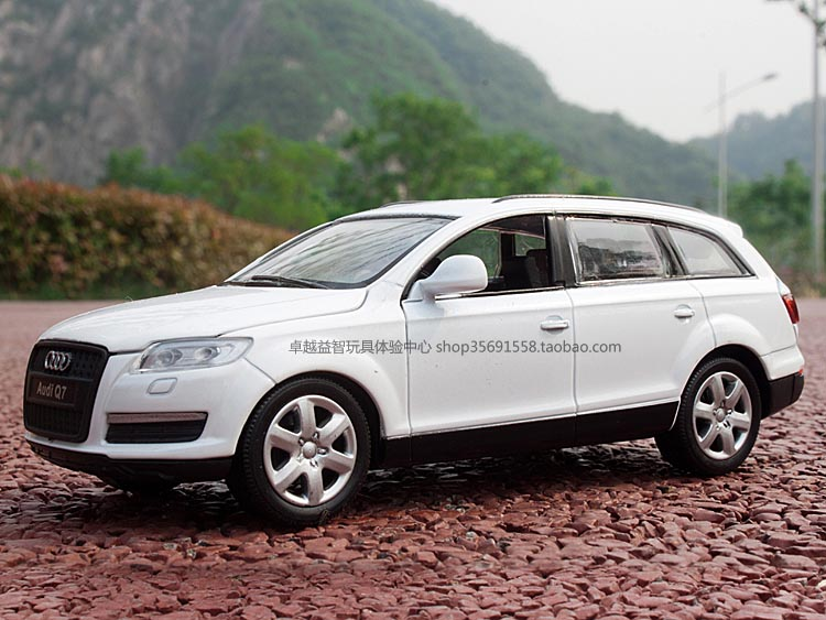 Car model Audi 1:32 Audi Q7 cars alloy alloy car model toy cars ascend to the Sukhavati-Guide
