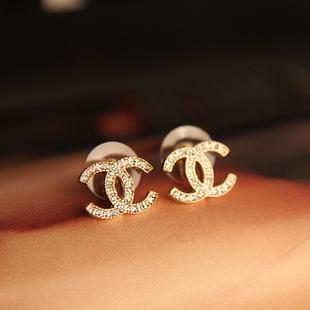 香奈儿明星专柜新款时尚奢华大牌经典双C耳钉 尺寸:1.1*1.5CM