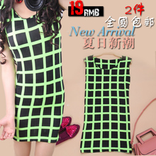 2013 summer shoulder pads sleeveless vest checkerboard plaid skirt base skirt Floral Slim package hip skirt dress women