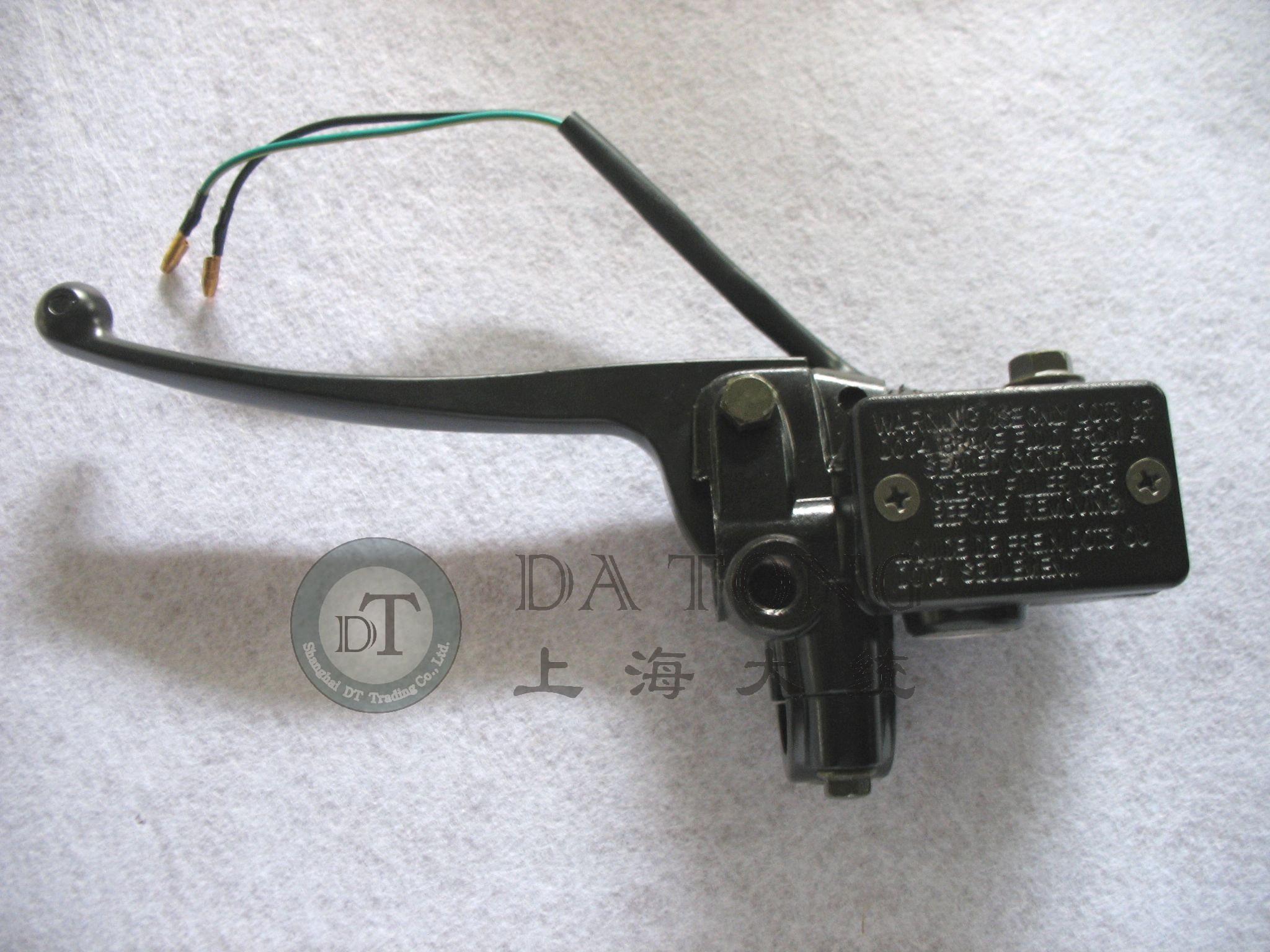 Тормозные колодки для мотоцикла На левой задние дисковые тормоза на скутер тормозной насос насос Линъин 125 ZY Yamaha YZ Xun ин ли ин