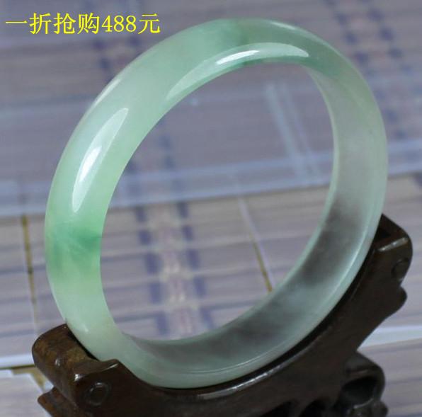 新款特价包邮 天然翡翠玻璃种 无裂纹通透淡阳绿飘花 手镯玉镯子