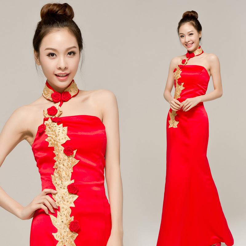 结婚季长款礼服 红色挂脖绣花中式修身礼服