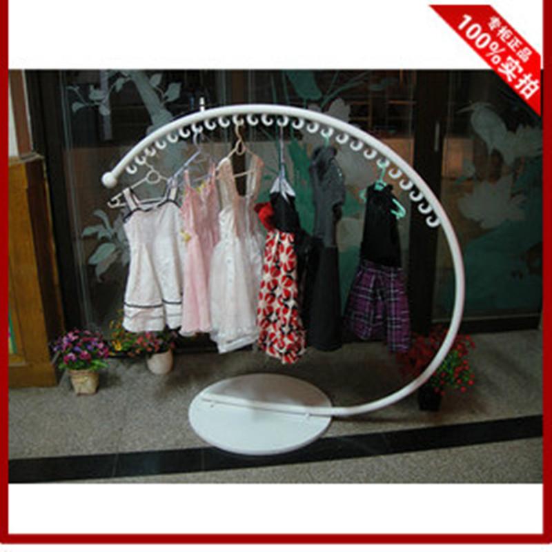 Витрины для одежды C тип вешалки одежды вывести потолка вешалки одежды магазина полка швейной стойку половину круга остров Главная этаж