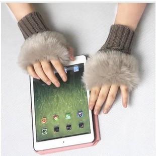 Теплые перчатки Корейский искусственный кролика в осенние и зимние теплые перчатки без пальцев перчатки клавиатуры дочь перчатки на продажу аутентичный мешок почта
