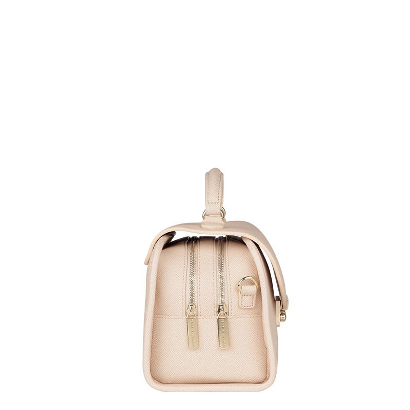 [ 7.1 fold ] Charles & amp; amp; Keith college cross pattern handbag vintage handbag Messenger CK2-90660151