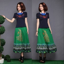 Big skirt dress embroidered peacock