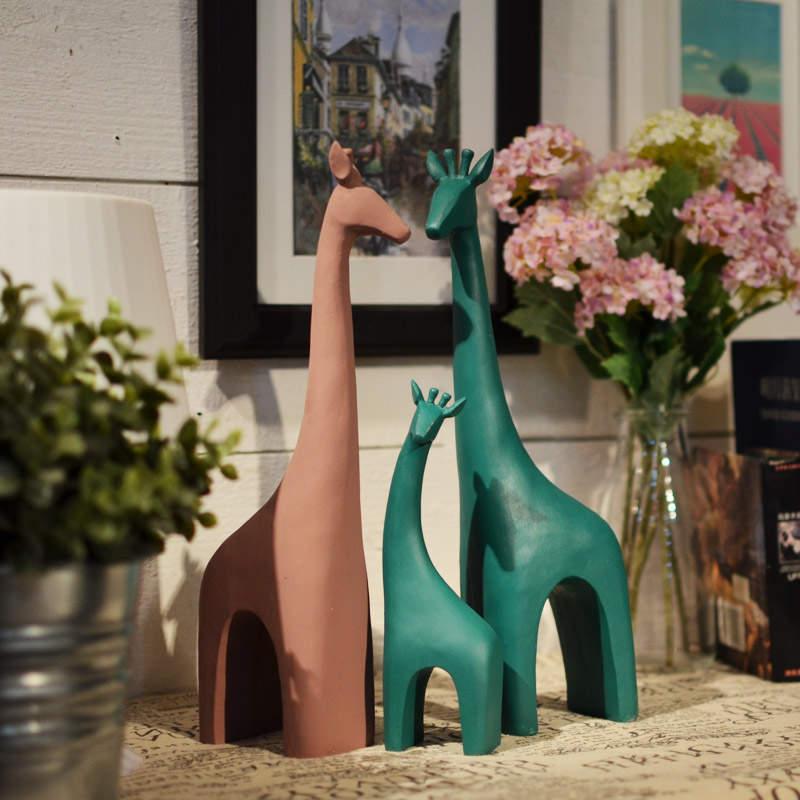 创意长颈鹿北欧简约动物树脂个性礼品工艺摆件办公室内家居装饰