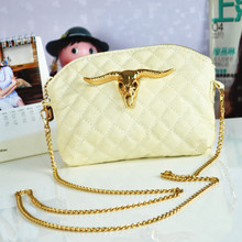 2013 summer new Korean version of the candy-colored shell pouches Europe retro chain shoulder diagonal female bag bag of tide