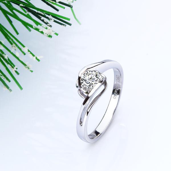 欧宝丽钻石结婚季 定制悦己-遇钻石戒指18K金女钻戒结婚戒指