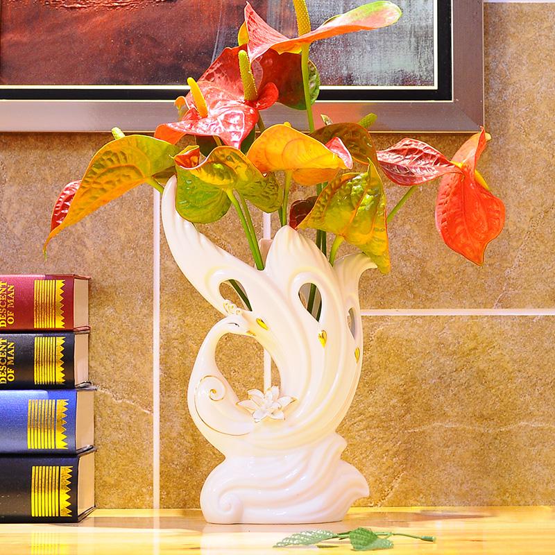 创意陶瓷器小花瓶现代时尚欧式白色餐桌装饰品摆件插花器宜家简约