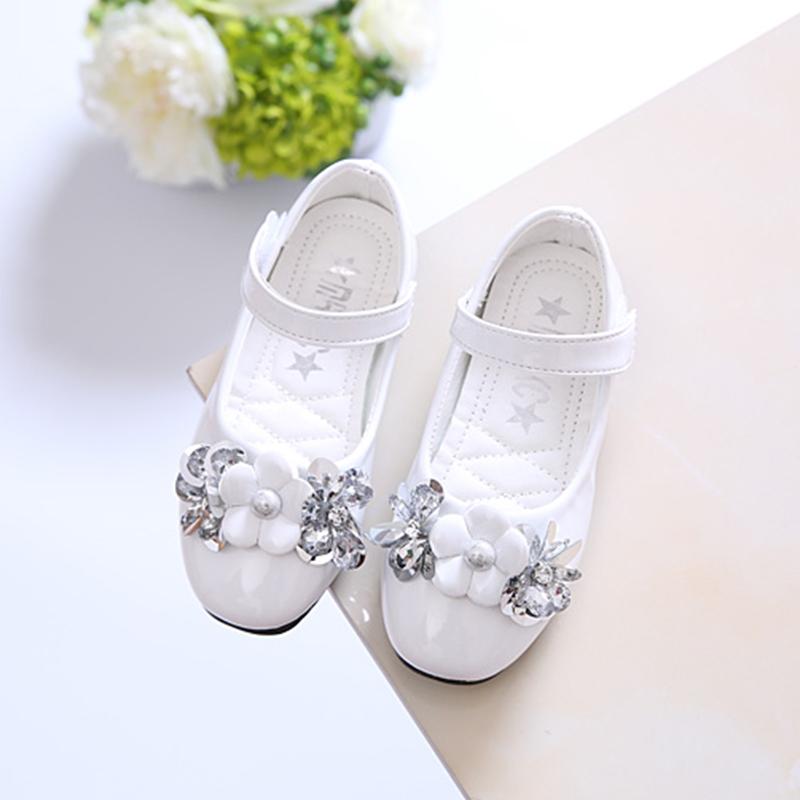 2017 новая весна женские модели ребенок горный хрусталь кожаная обувь корейский цветы принцесса обувной в больших детей обувь студент производительность обувной волна
