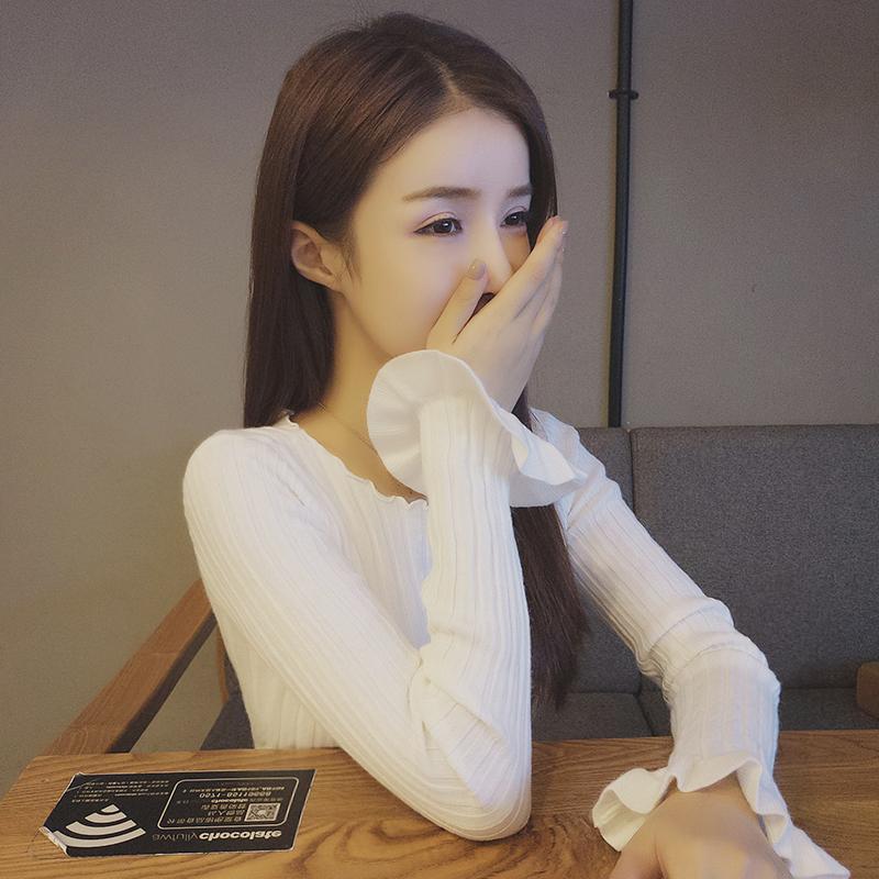 喇叭袖针织衫修身百搭白色打底衫长袖女秋冬短款性感紧身低领毛衣