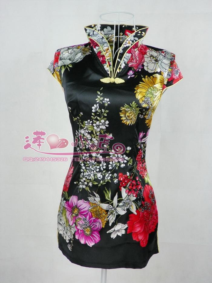 Цвет: Черная шелковая блузка