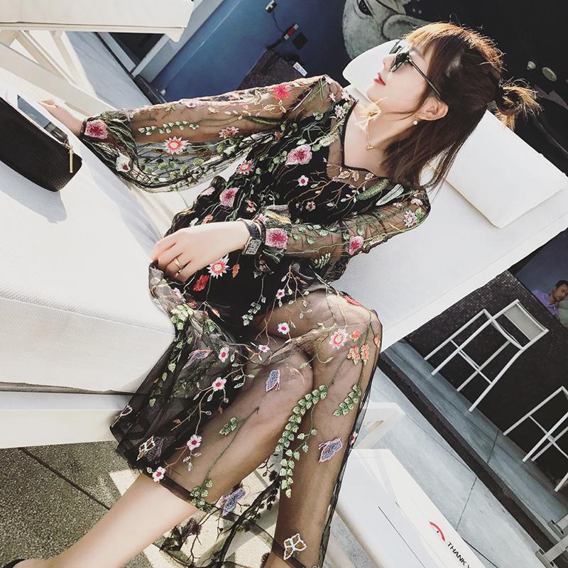 【不补】春季V领绣花连衣裙网纱透视裙子长裙两件套套装女CM71025