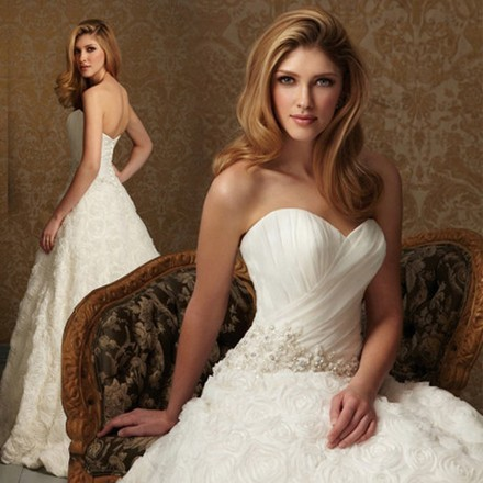 Korean Bra princess wedding dress sweet 2013 new wedding European and American fashion simple trailing bridal