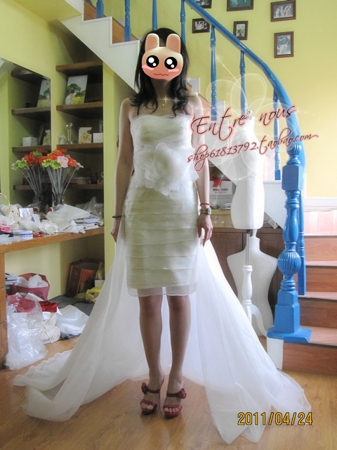 Свадебное платье Entre Nous cm08r Впереди короткое со шлейфом сзади