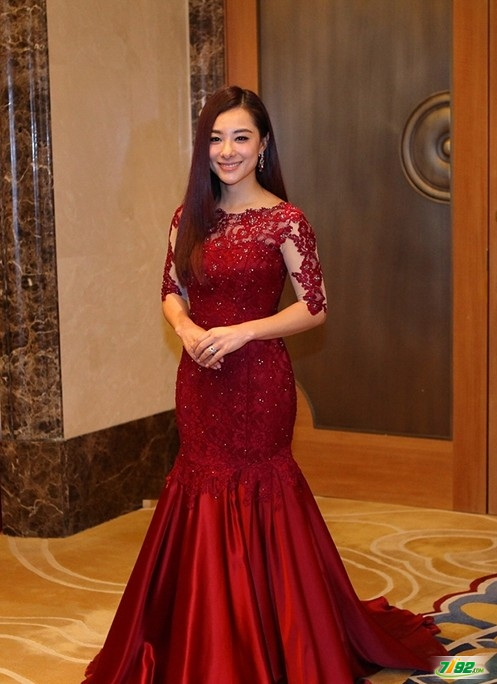 Вечерние платья Chanel gown 16888 2014 构词成分。 Chanel gown