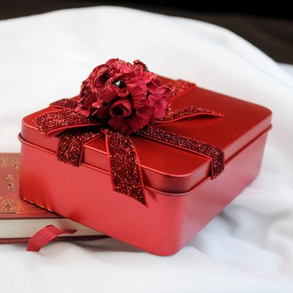 丽恒新品 特价紫色马口铁喜糖盒 创意超大号喜糖盒子 铁盒喜糖盒