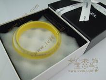 Europeos y americanos grandes CHANEL Chanel pulsera amarilla de acrílico multicolor con los modelos de los modelos de embalaje de entrega general