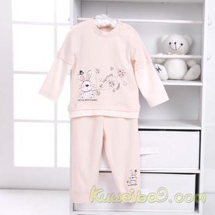 想给一岁的公主宝宝买衣服,想买礼盒装的送人