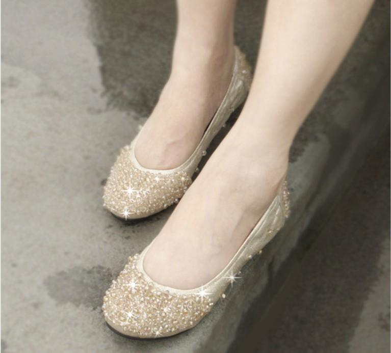 2012秋新款韩版串珠手缝珠平底鞋水钻婚鞋跳舞鞋休闲圆头女单鞋潮