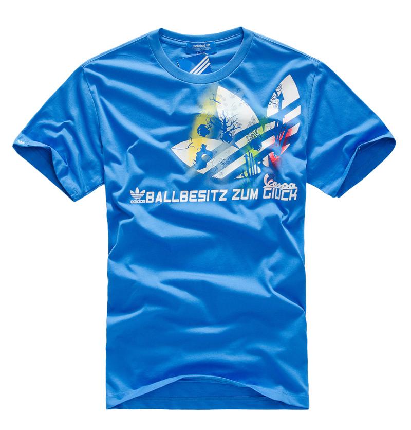 Спортивная футболка Clover adidas 201102111 2013 Adidas Свободный Закругленный вырез Короткие рукава ( ≧35cm ) 100 хлопок Спорт и отдых Влагопоглощающая функция, Воздухопроницаемые % С логотипом бренда