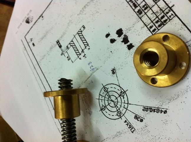 梯形螺母T16牙距4MM非标丝杆也来图纸加厂房轻钢图纸图片