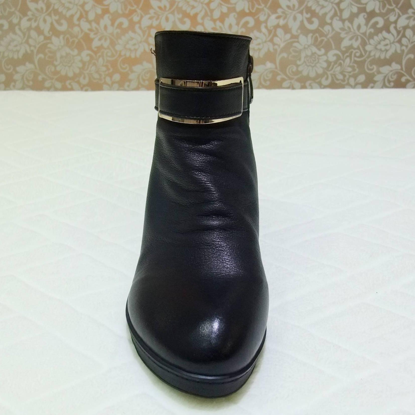 Круглый носок Танкетка Молния На низком каблуке (менее 3 см) Пряжка, Заклепки, С металлической отделкой, Ремешок с пряжкой Однотонный цвет