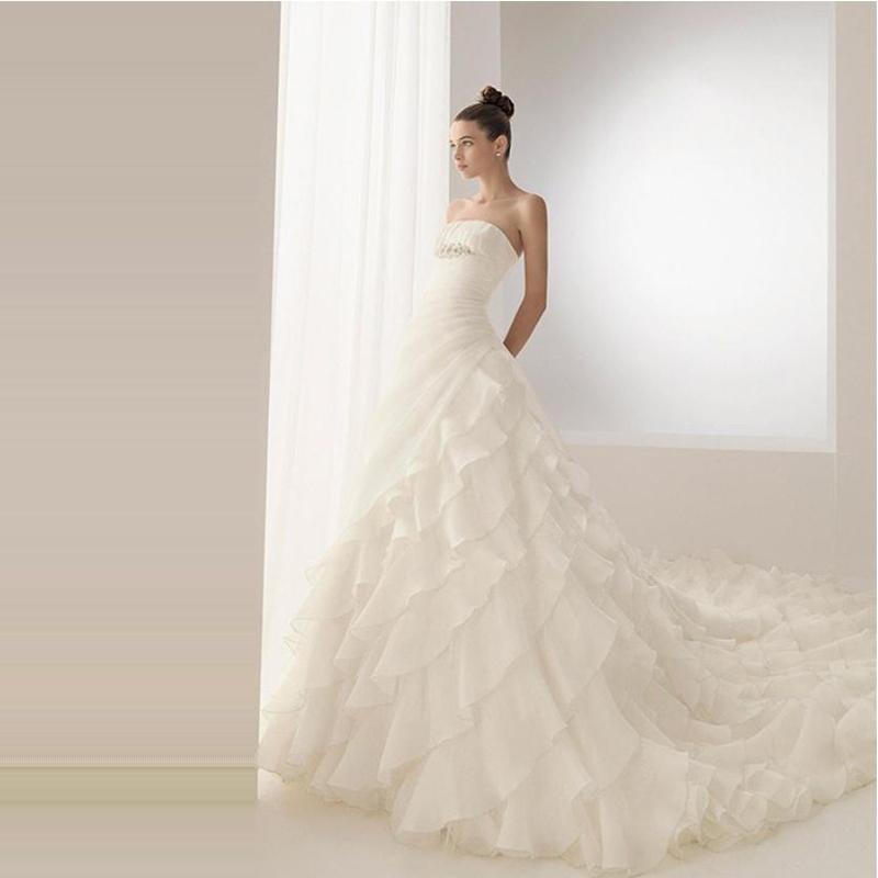 [�妮新娘]结婚季高端正品婚纱定制 2013新款浪漫拖尾公主抹胸新娘婚纱