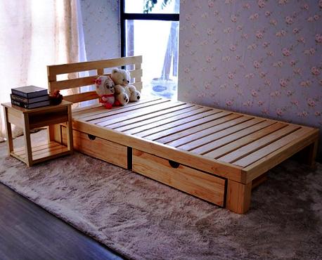 Кровать из массива дерева Public  1.8