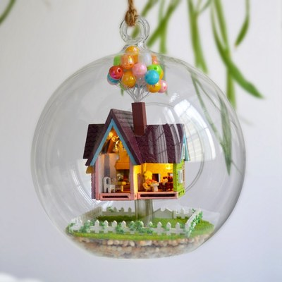 The new glass balls flying house diy cabin house villa Love Romance fantasy princess room house model Aegean