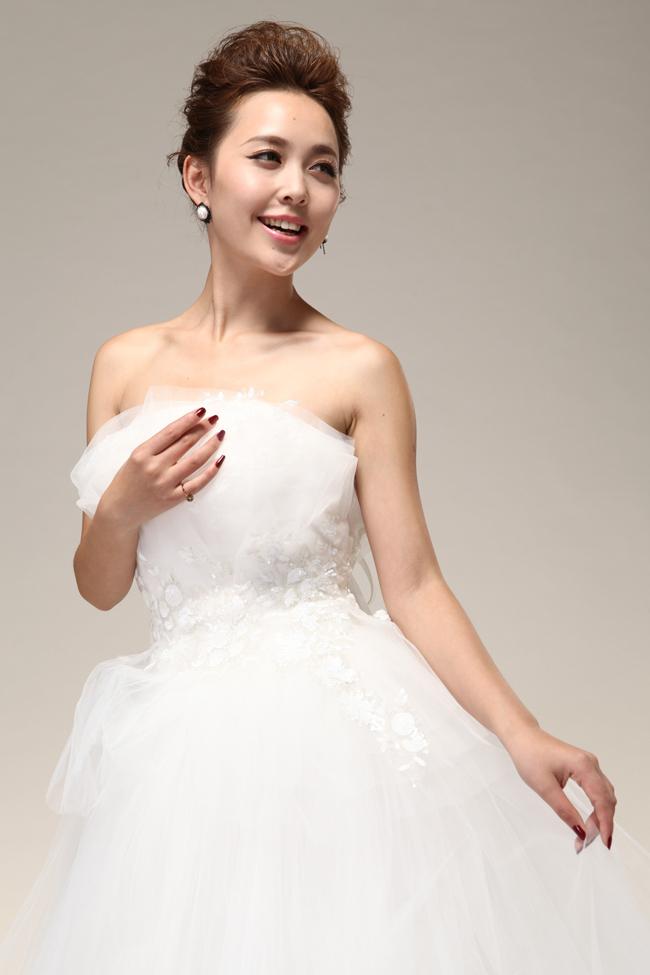 2013VeraWang公主抹胸高腰蓬蓬裙齐地婚纱礼服hunsha绑带网纱韩版