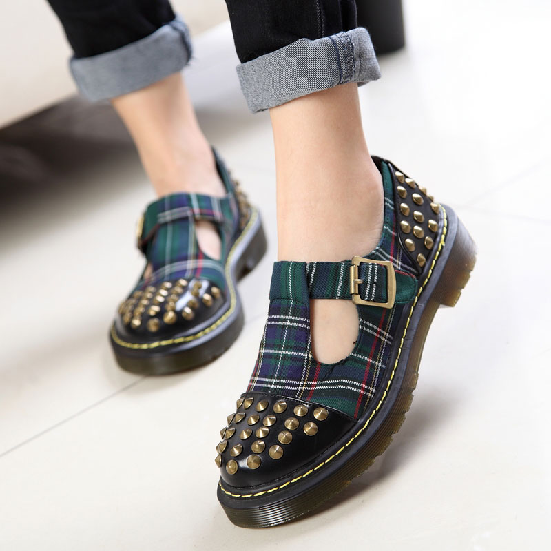 The bulk of the British Institute of wind round shoes women shoes retro Sen female Japanese Harajuku doll shoes platform shoes rivets