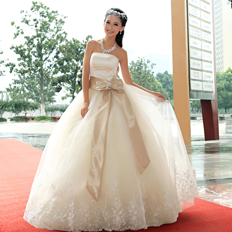 婚纱礼服 2013最新款韩版抹胸齐地公主绑带款蝴蝶新娘婚纱蕾丝