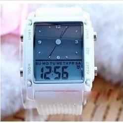 [春节大特价] 中小学生手表双显防水男女学生电子手表数字式手表带闹钟多功能