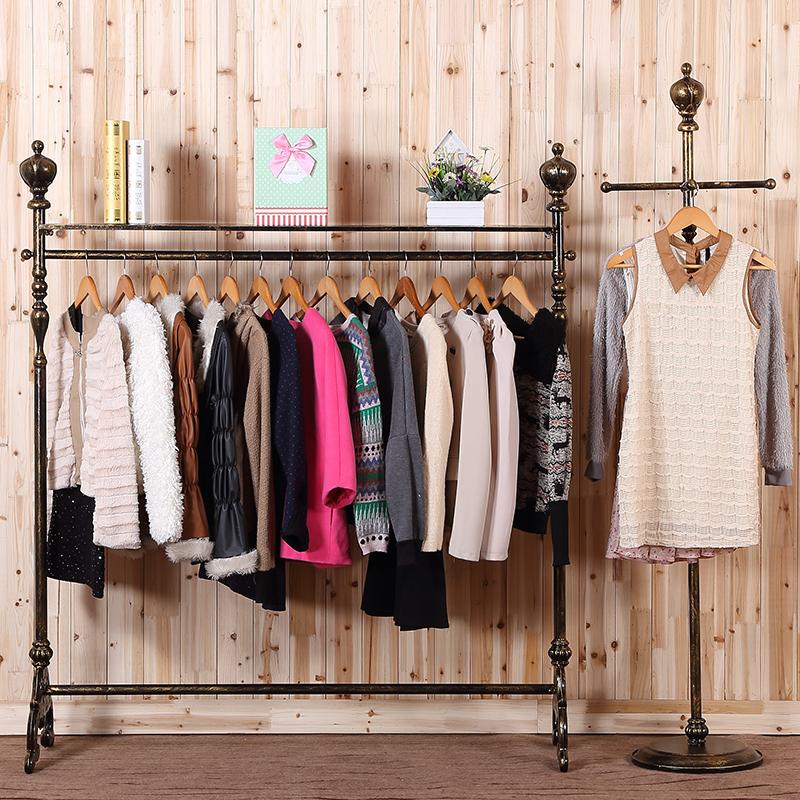 Какие бывают вешалки для одежды: предложения мебельных магазинов -