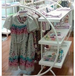 витрина для одежды Стойки для одежды в форме полумесяца * остров * носит * отображения * стеллажи * Хао Тянь полка напольная подставка