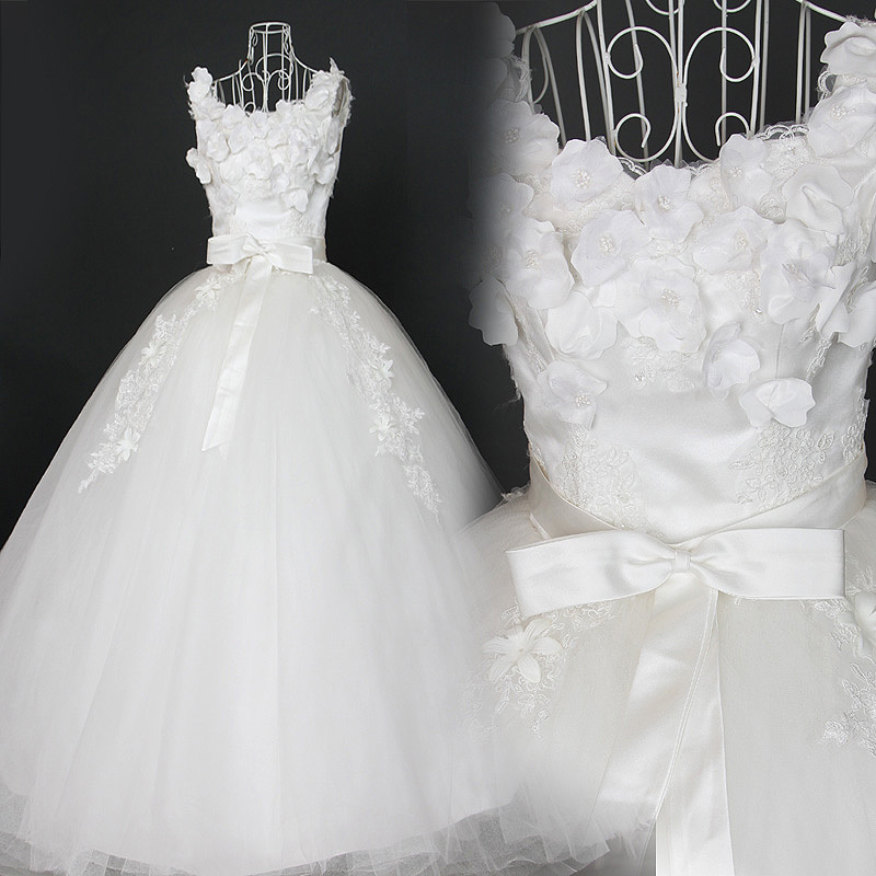 2013款皇室V领深V露背韩版立体剪裁宫廷蕾丝优雅蕾丝蓬蓬新娘婚纱