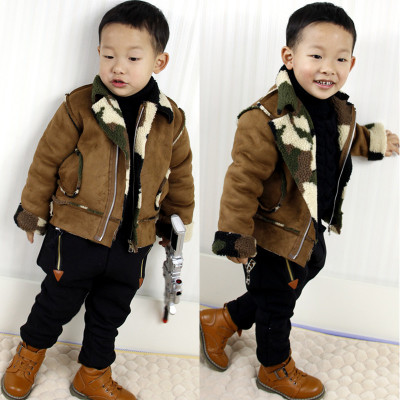 The new children's clothing boys Donger Korean matte velvet thick fur coat 3-4-5 tide camouflage jacket