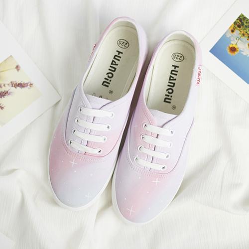Почтовые продвижение Harajuku Ветер градиента света звезды Холст обувь женщин белый Корейский приливные плоская ручная роспись обувь мягкой