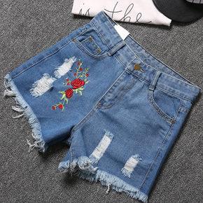 刺绣显瘦牛仔短裤