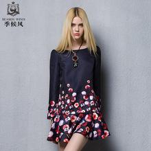 季候风秋季新品复古时尚修身显瘦A字裙印花连图片