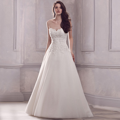 DVT 2014 winter new European and American high-end lace wedding dress princess A-line wedding dress Slim Qi