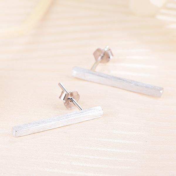 CCE日韩版个性简约一字棒925银耳钉男女文艺气质甜美百搭耳钉图片